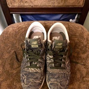 New Balance 620 Camouflage Sneaker